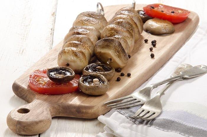 Cogumelos e tomates grelhados