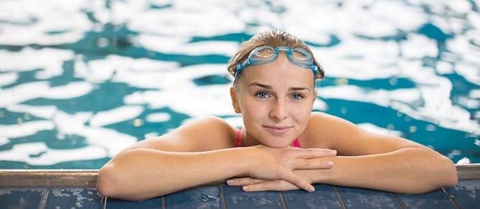 Rapariga a nadar