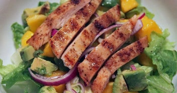 Salada de Frango, Abacate e Manga