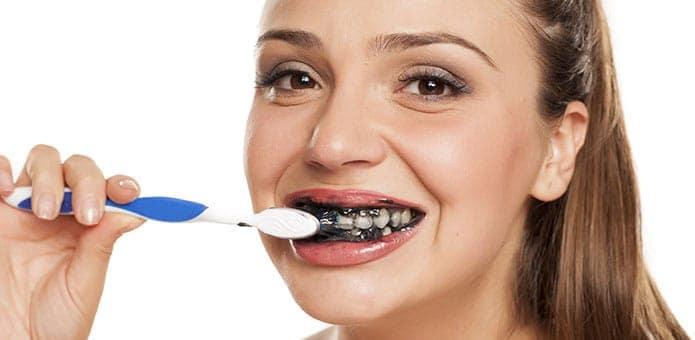 branqueamento de dentes com carvão ativado